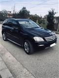 Mercedes benz ML 320 06 look 2011