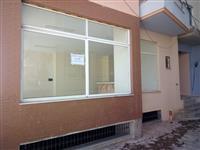 Dyqan ne shitje prane Universitetit Sarande