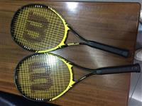 Raket tenissi Wilson