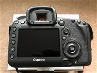 Canon EOS 5D Mark III me lente 24-105 mm