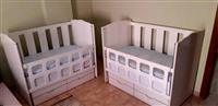 Shiten krevat dhe karroce per binjake