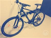 Biciklet cube ose nderrohet