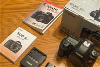 Canon EOS 5D III Kit: DSLR Camera + EF 24-105mm f