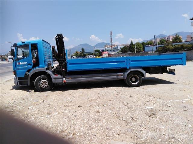 Tirane----Transport-me-kamion-me-vinc