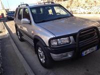 Opel Frontera -01