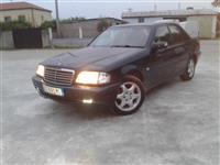 Mercedes benx c220 cdi  2.500 €
