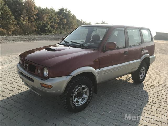 Shitet-Nissan-terrani