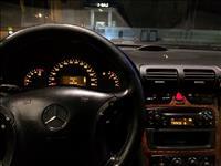 Shitet ose nderrohet Mercedes 220 -04