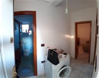Shitet shtepi 1+1, apartament ne Vlore