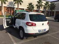 Shes Volkswagen Tiguan
