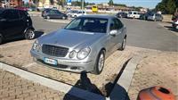 Mercedes 211 per pjes