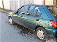 Okazion: Shitet Ford Fiesta 1.2 benzine e 2000