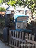 Shitet traktor ford 50 kuaj fuqi