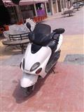 SHES MOTORR YAMAHA 125CC